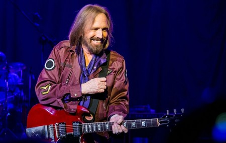 GettyImages-454109224_tom_petty-720x457.jpg